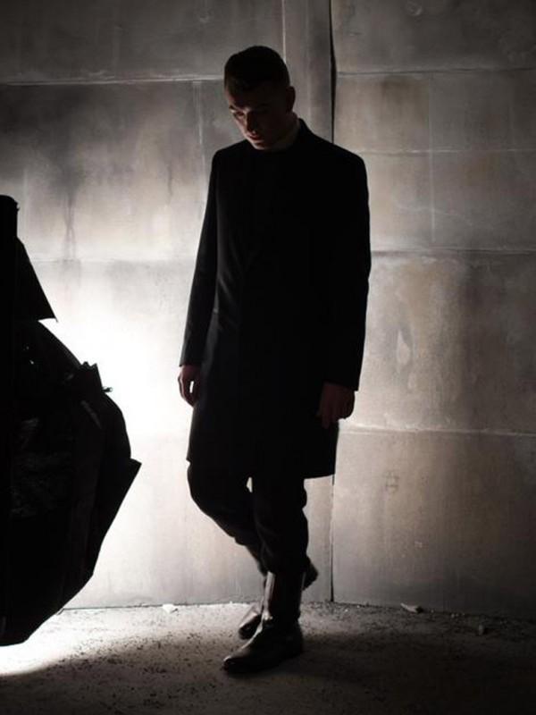 Sam-Smith-le-chanteur-est-la-nouvelle-egerie-Balenciaga